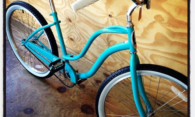 Ladies-Schwinn-S1-singlespeed-cruiser-for-sale-at-The-Handle-Bar-for-R2900.-Also-available-in-white.
