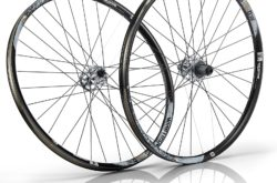 american-classic-wide-lightning-27.5inch-650b-tubeless-wheelset