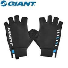 glove-giant-raceday-2
