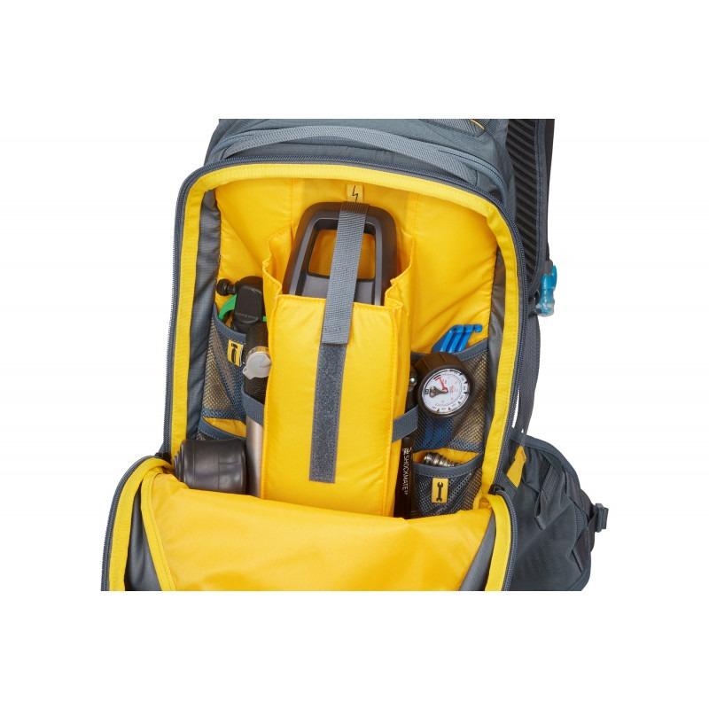 thule-rail-backpack-18l-group-3204482-3a9